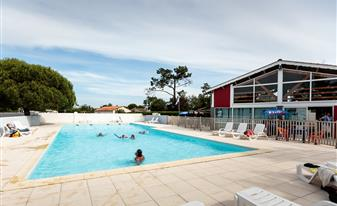 Camping Marennes Plage - camping piscine chauffée et pataugeoire